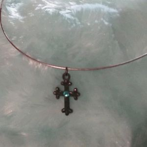 Burnished gold/turquoise cross wire choker
